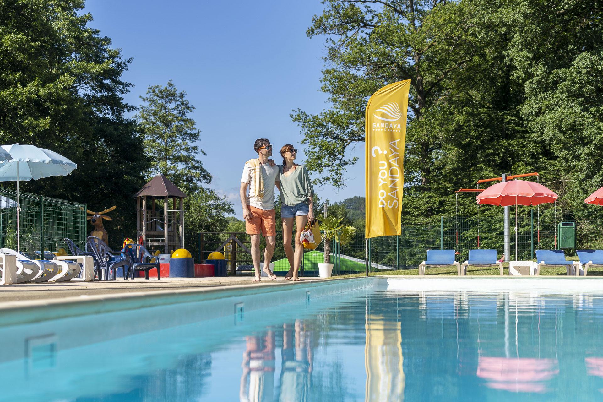 Camping - Parc - La Clusure - Tellin - caravanes - motorhomes - tentes - camping-cars - bungalows - Sanitaires modernes - Epicerie - Restaurant - Café - Terrasse - Piscine - Terrains de jeux - Infrastructures sportives