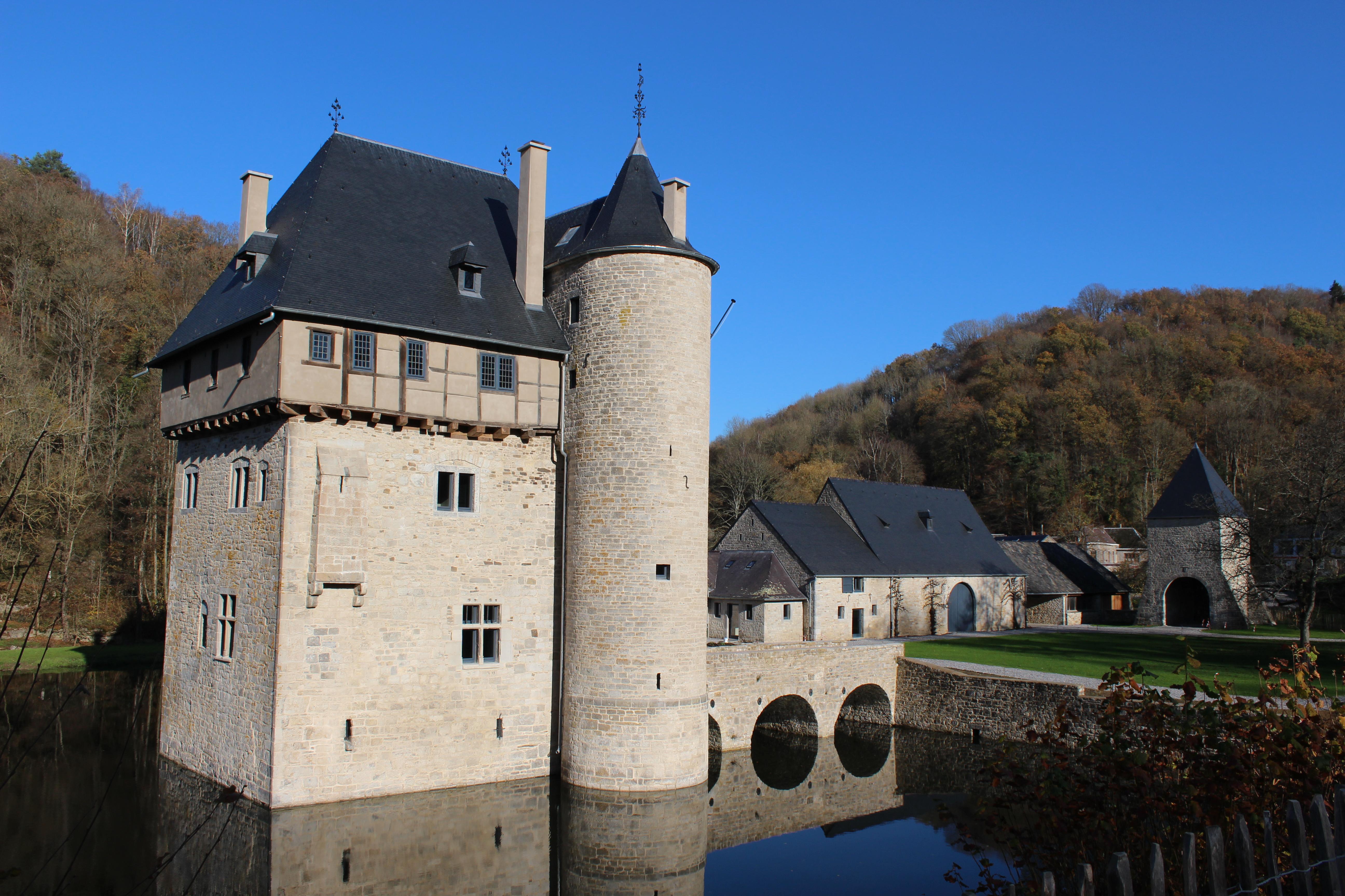 Maison Forte - Crupet -Plus beaux village de Wallonie