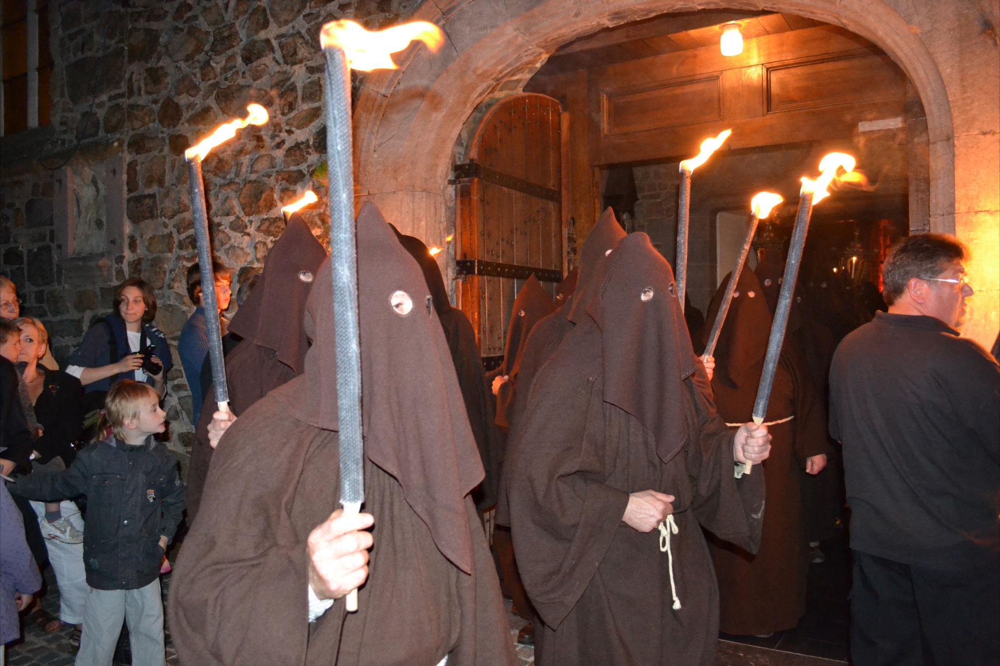Procession des pénitents noirs à Lessines