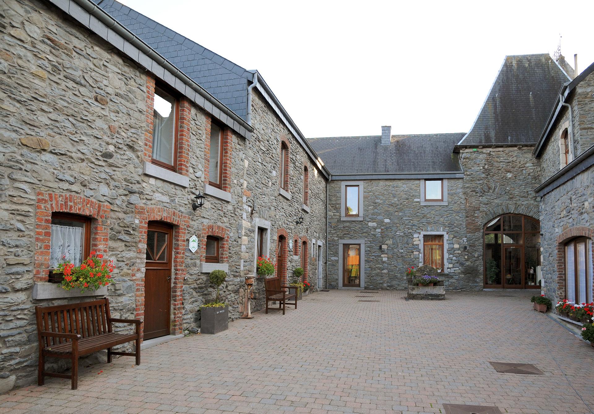 Gîte Rural - Château-Ferme de Laval - La Douve - Tillet