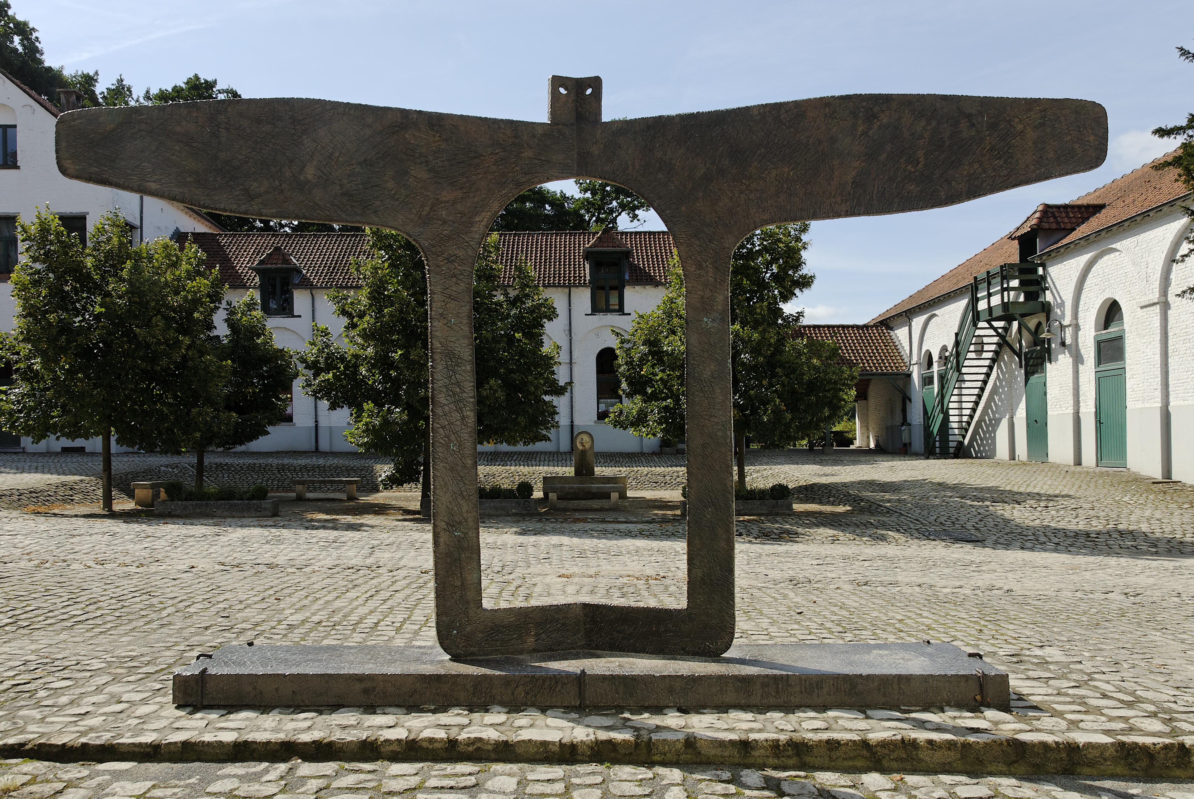 Fondation Folon - sculpture - cours