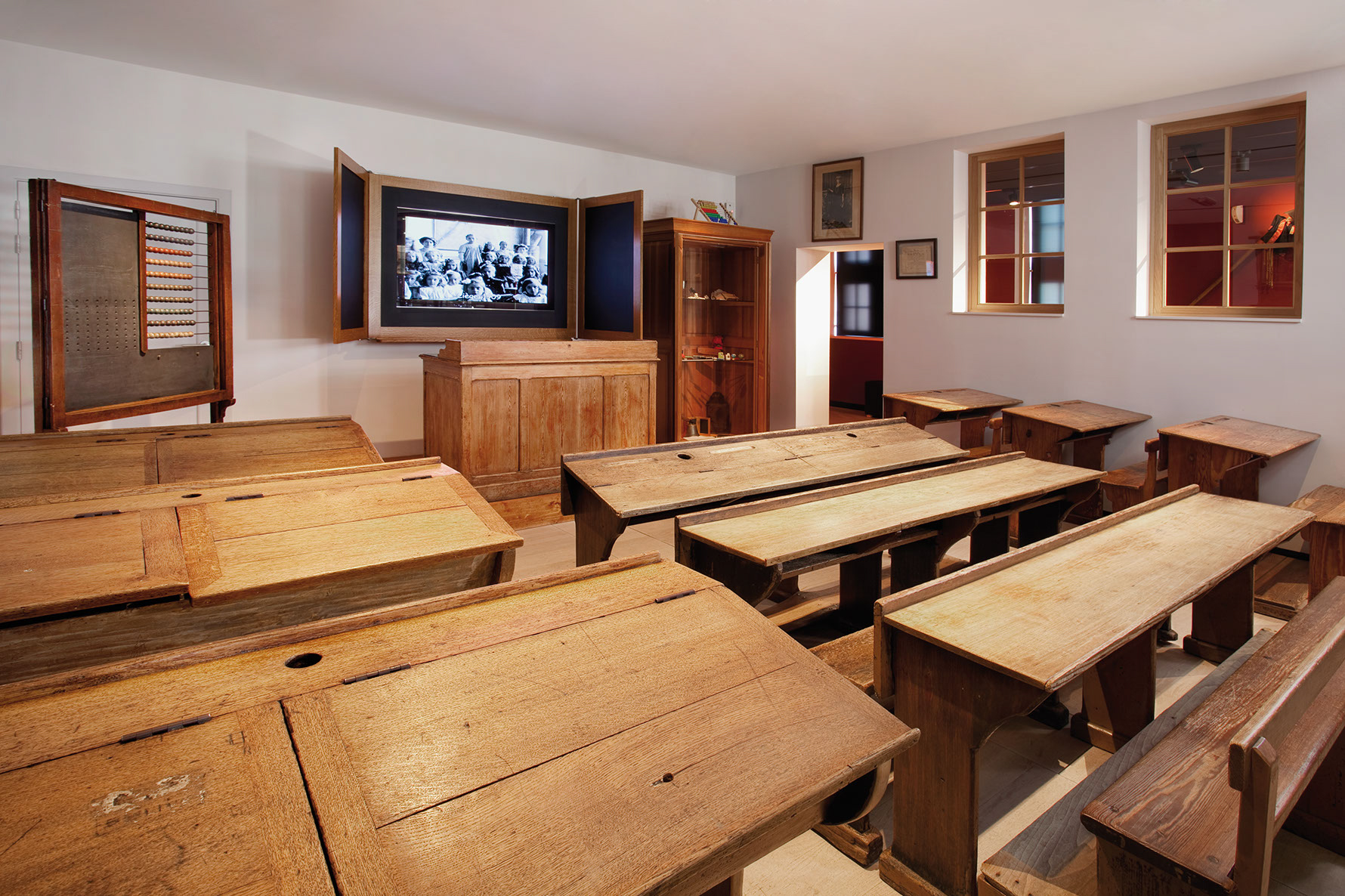 Discover the history and life in Wallonia at the Museum of Walloon Life in Liège
