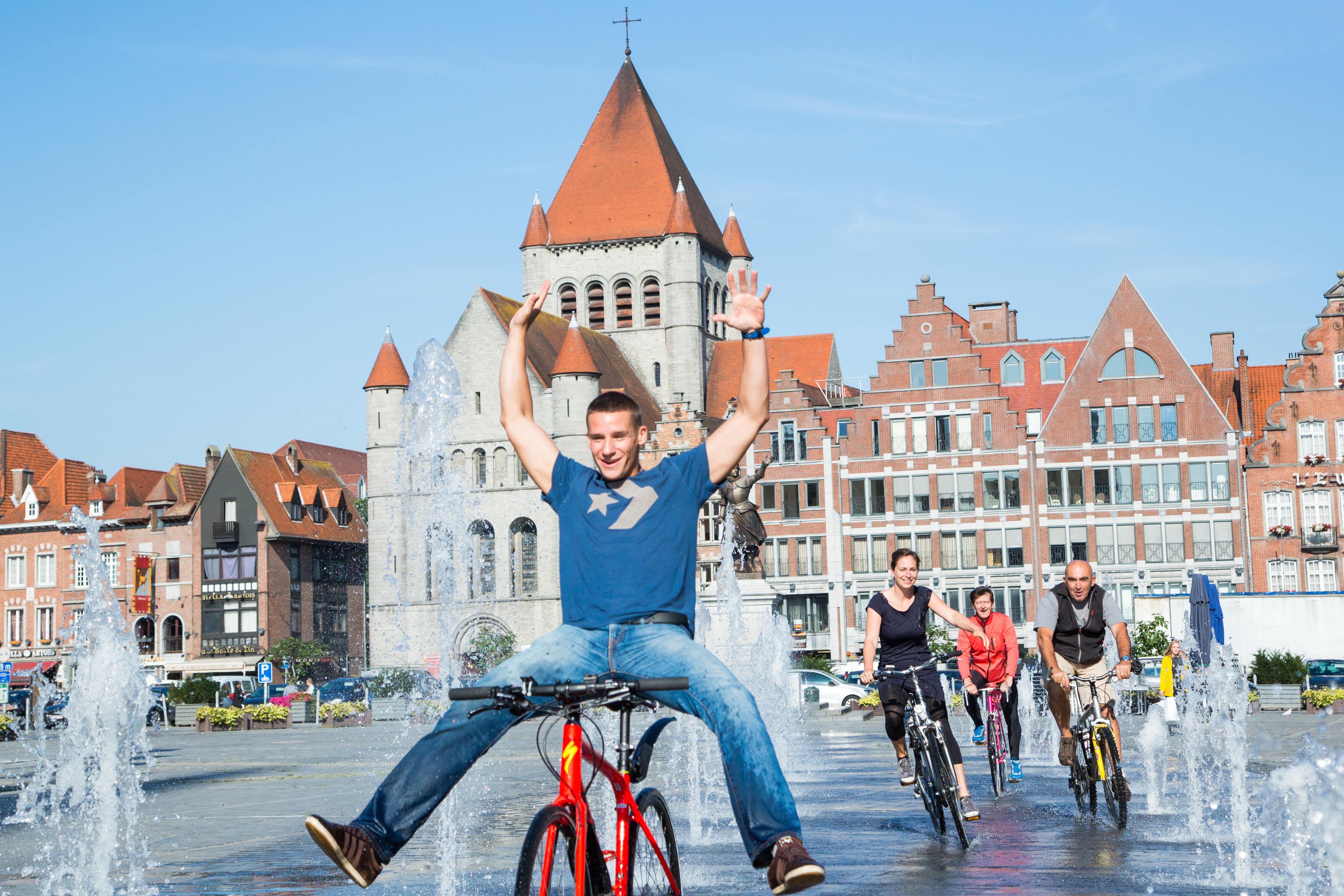 Tournai - Grand-Place - vélo - sport - détente