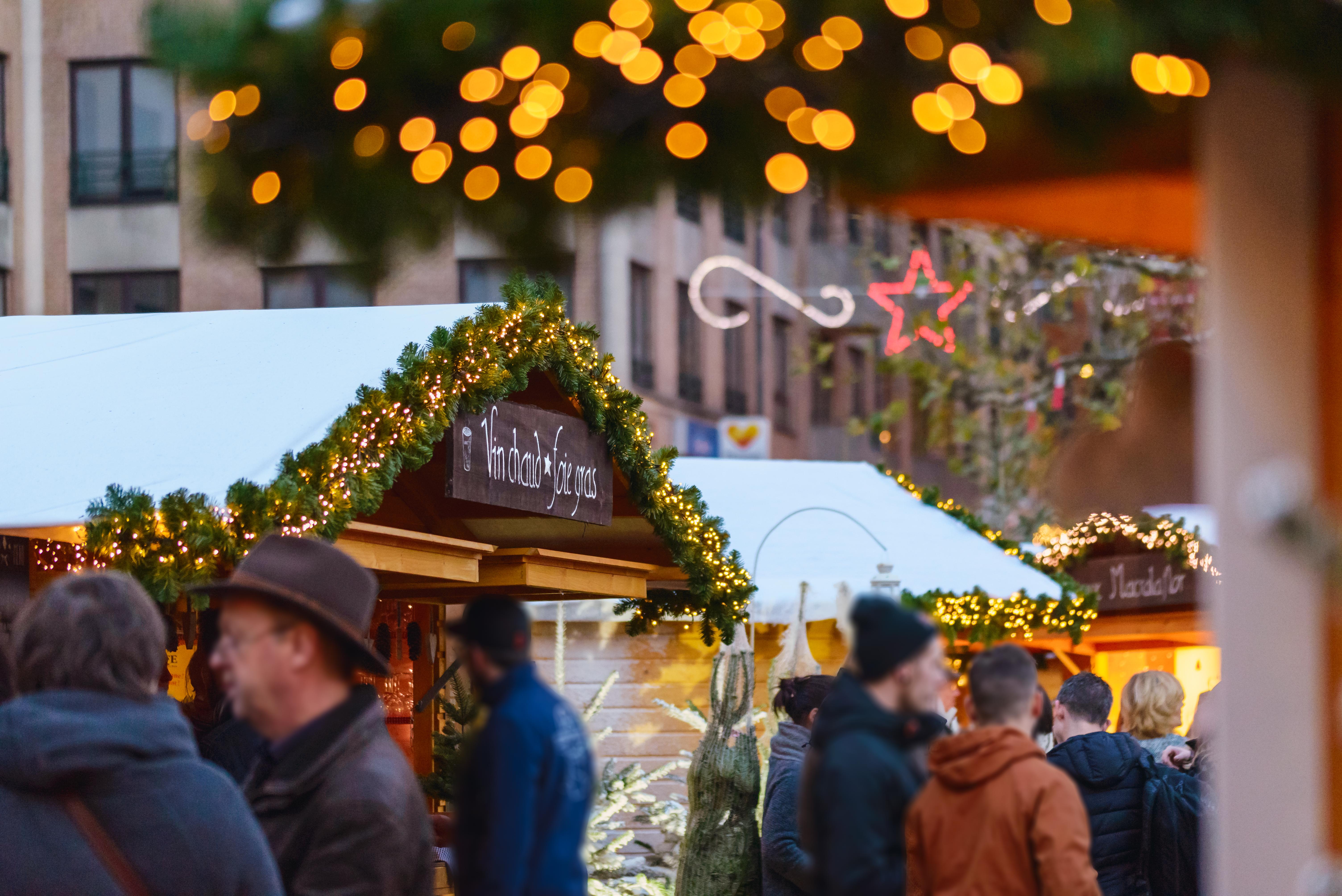Enjoy a mulled wine at Louvain-la-Neuve's Christmas market