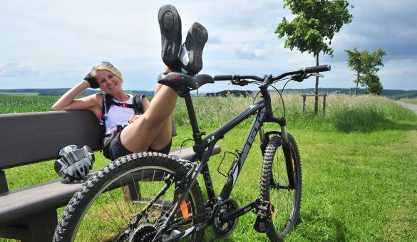 La wallonie à vélo - thématique printemps -Vielsalm - Mountainbike - pause