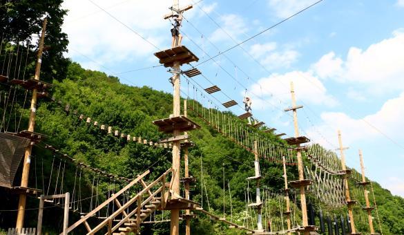 Adventure Valley Durbuy: il brivido dell'altezza nel Challenge Park