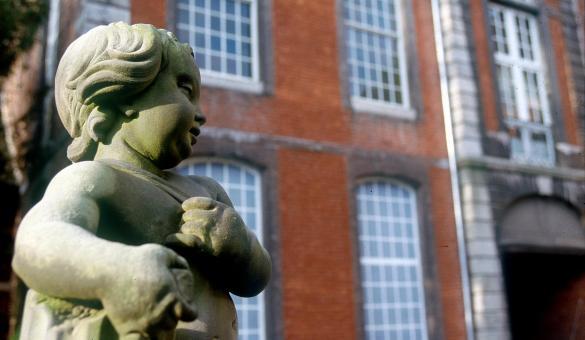 Bateliers - Musée des Arts décoratifs - Groesbeeck de Croix - Namur - Vue de la façade