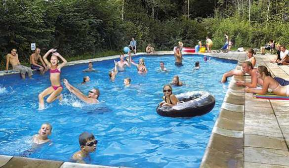 Camping touristique - Chênefleur - Tintigny - emplacements spacieux - sanitaires - piscine - restaurant - magasin - animation