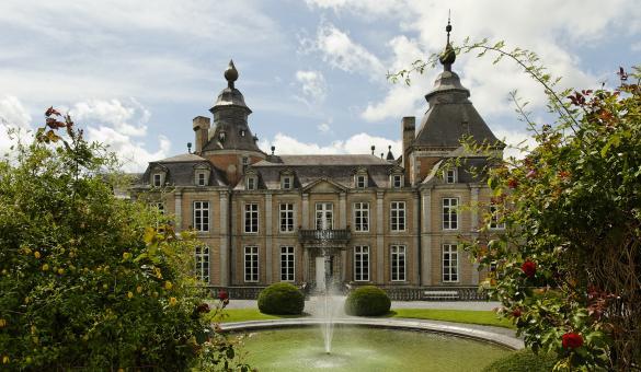 Ven a visitar el Castillo de Modave que data del siglo XVII