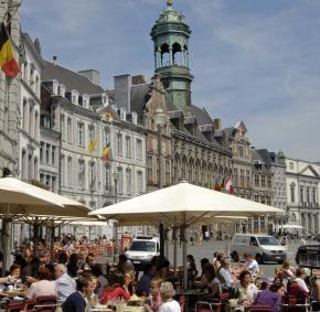 Grand Place de Mons - terrasses - cafés - boire un verre