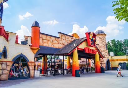 Entrée principale du parc d'attractions Walibi Belgium