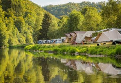 Camping Le Prahay - Pouphena - 130 emplacements - prise de courant - Location de tentes de luxe entièrement équipées - activités d'eau