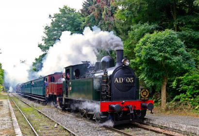 train à vapeur - chemin de fer - 3 valées