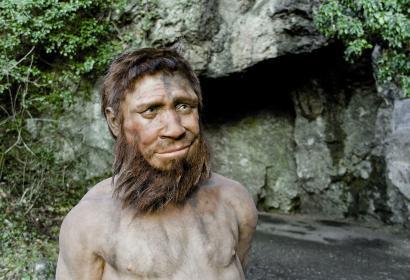Spyrou - Homme de Spy - Entrée de la grotte - Wallonie insolite