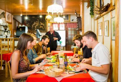 La Roche-en-ardenne - Maison Bouillon - Boucherie - charcuterie - dégustation - table
