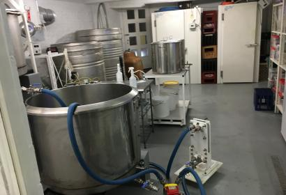 Braueinrichtungen der handwerklichen Brauerei Hoppy in Soignies