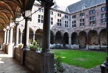 Musée - communal - Huy - Cloitre - ancien couvent - Frères mineurs