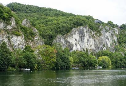 La Meuse à Profondeville - les rochers de Frenes