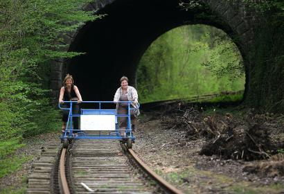Las dresinas de La Molignée - cicloraíl - Warnant- rail-bikes - Valonia insólita