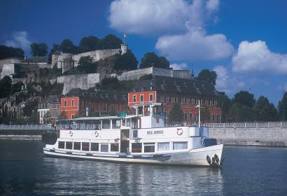 Dinant - Namur - croisière - bateau - Meuse - province de Namur