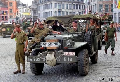 Tanks in Town - Mons - commémoration - war - guerre - mondial
