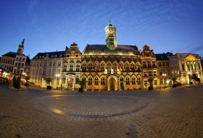 Mons - Grand-Place - éclairage - nuit