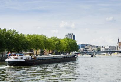 Liège - Meuse - péniche - pont