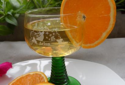 Probieren Sie ein Glas Maitrank im Pays d'Arlon