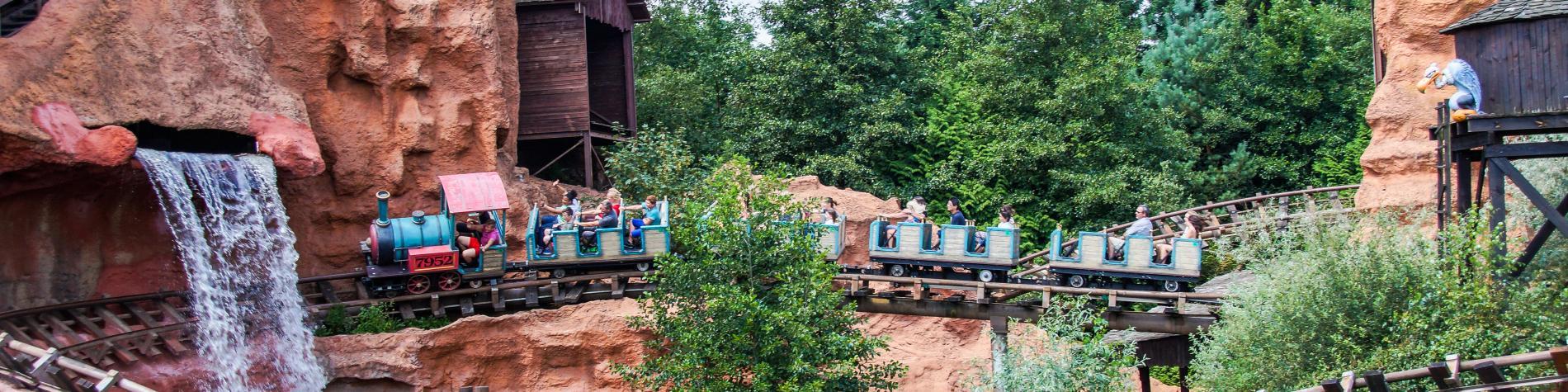 Le train du Calamity Mine du parc Walibi