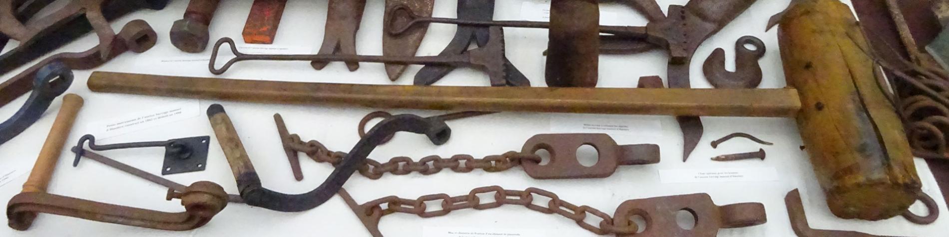 Hastiere - Instruments - Maison du Patrimoine
