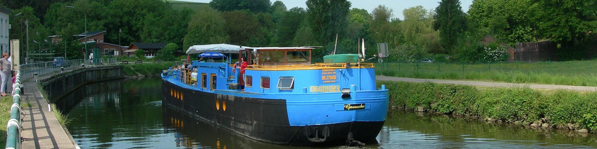 Péniche - Gavroche - Wallonie terre d'eau - tourisme fluviale - bateau - fleuve