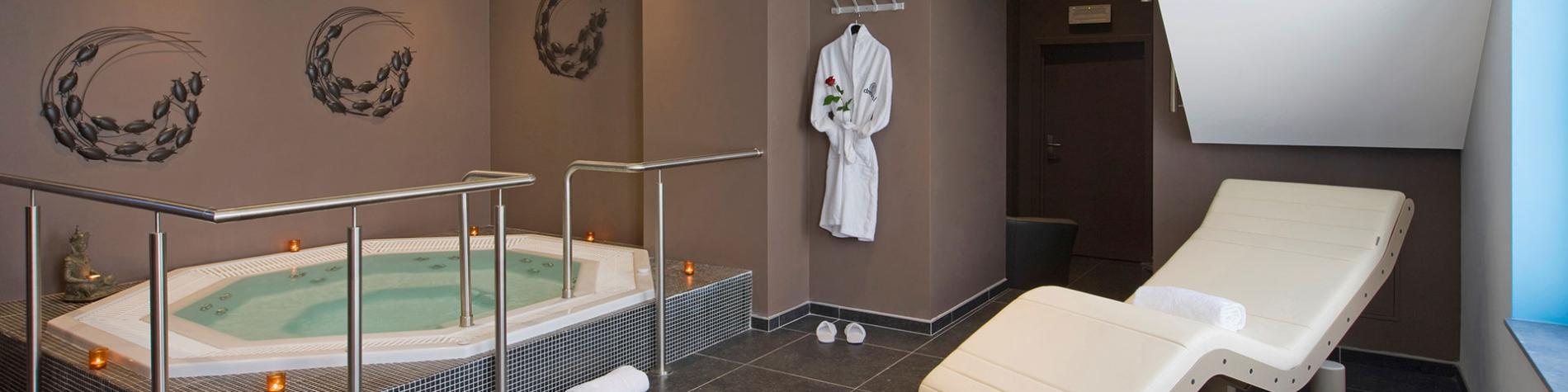 centre wellness avec jacuzzi dans le Martin's Dream Hotel à Mons.