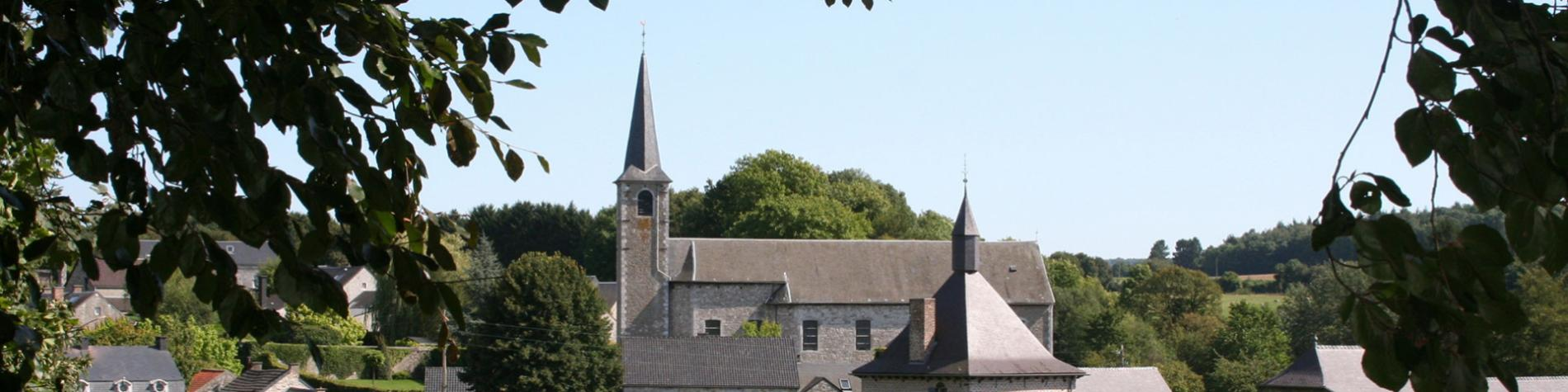 Les plus beaux villages de Wallonie - Mozet - clocher - paysage - ciel bleu - nature