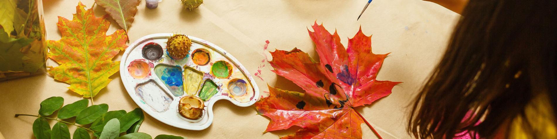Activités créatives - bricolage - dessins - peinture - feuilles
