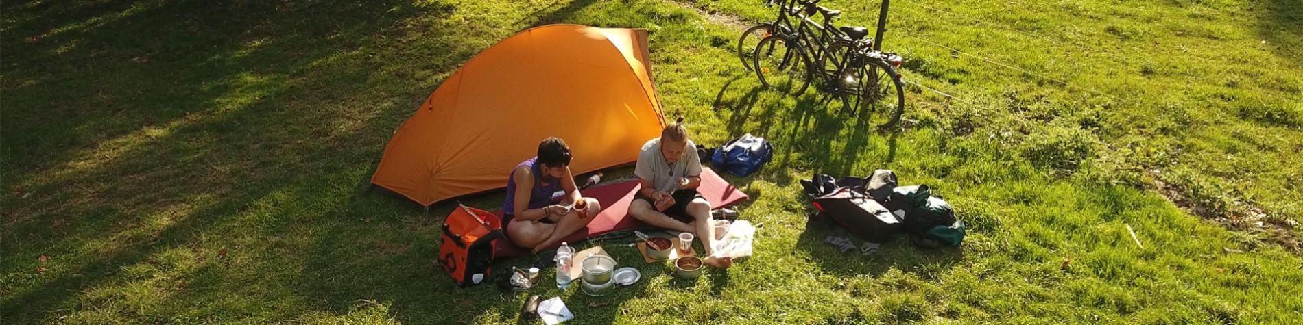 Camping - Villatoile - Anseremme - Ambiance - couple - tente