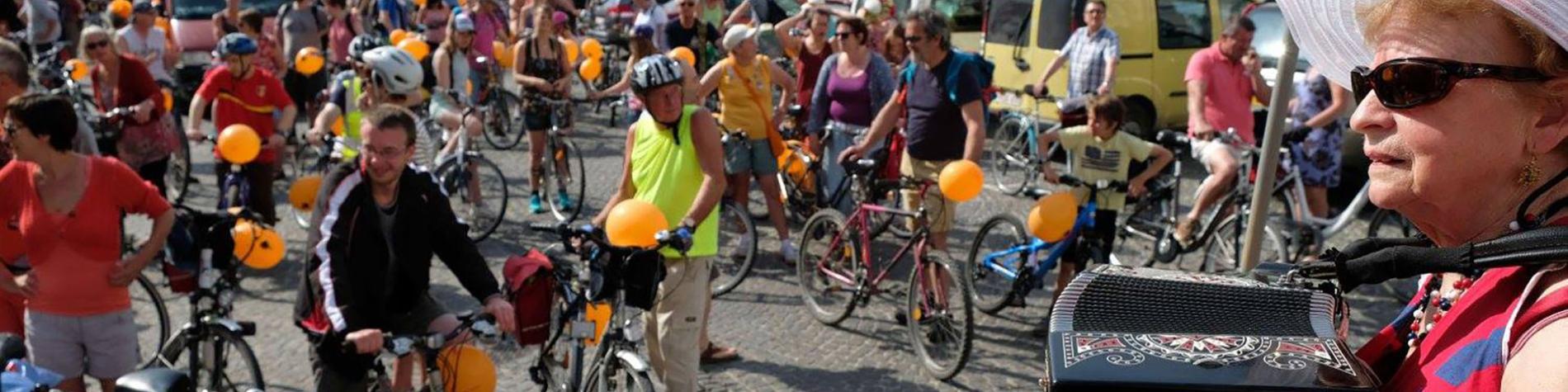 La Caravane Vanne - Balade - cyclo - touristique - accordéon - pique-nique