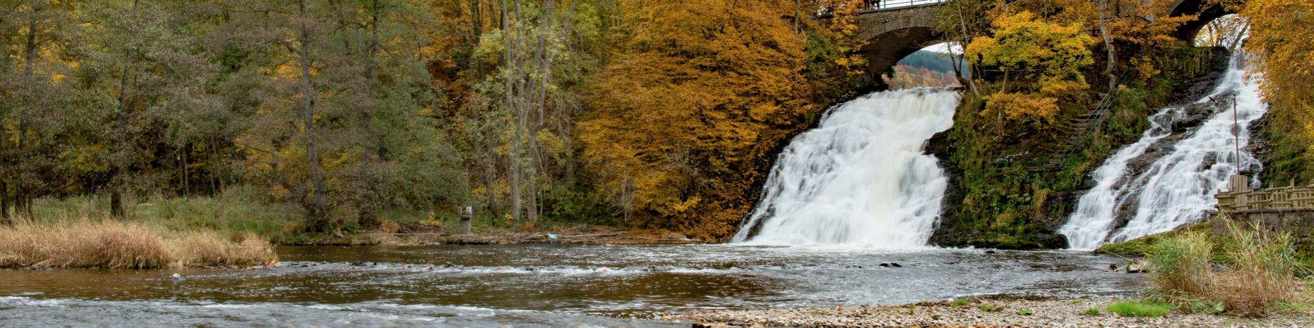 coo-cascade-eau-amblève-automne-nature-jaune-ocre