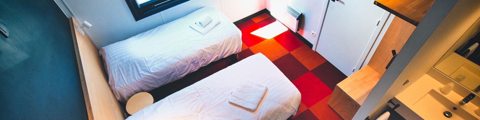 Hôtel Aquatel - Anseremme - chambres doubles - familiales - dortoirs - petit déjeuner buffet - restaurant