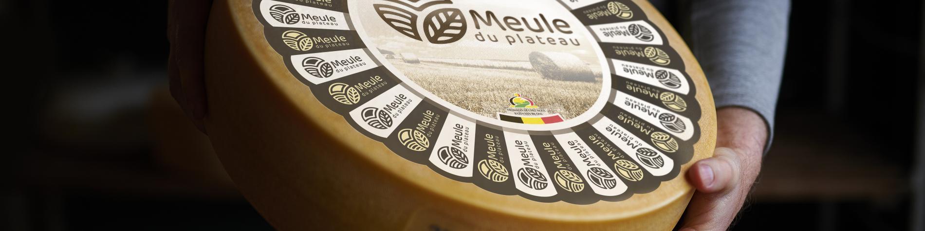 Meule entière du fromage 'La Meule du plateau'