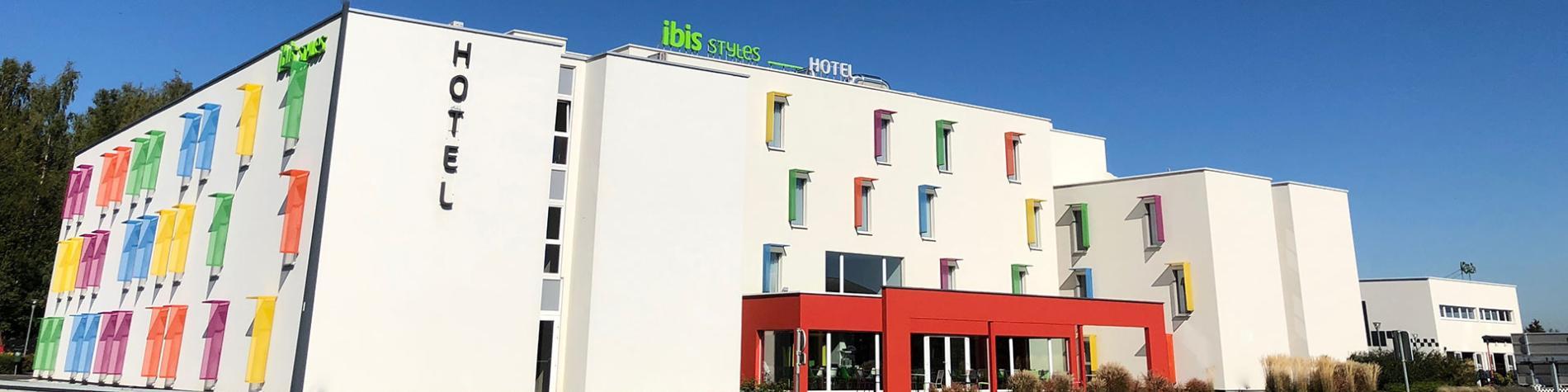 Hôtel Ibis Styles - Nivelles - restaurant/bar - petit-déjeuner buffet - climatisation dans toutes les chambres - appartement avec jacuzzi et sauna - personnes à mobilité réduite