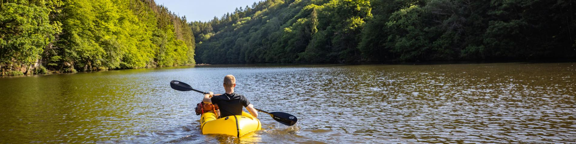 Campagne - relance - VisitWallonia - Changer d'air - Kayak - Packraft - lac de Nisramont