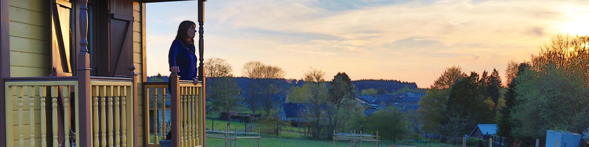 Meublé de vacances - L'Instant Ch'Oizy - Roulotte Forêt Etoilée - Oizy