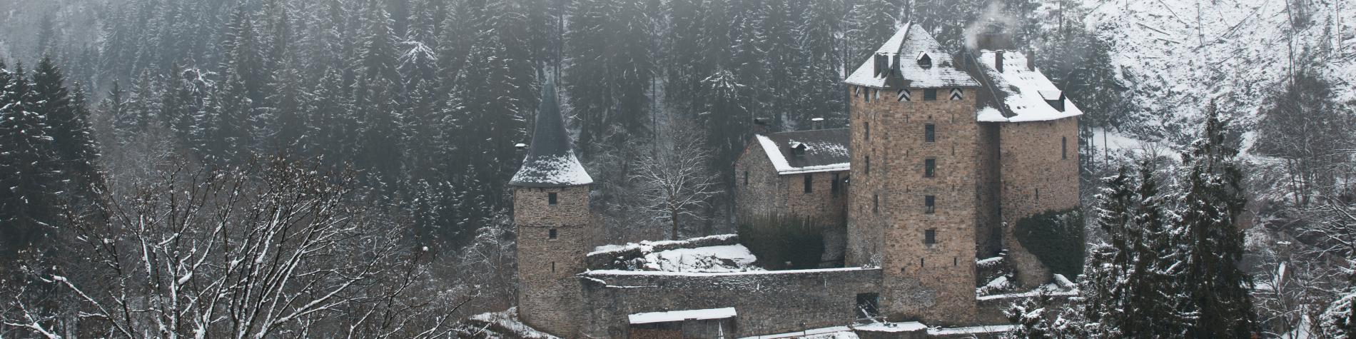 le Château de Reinhardstein sous la neige