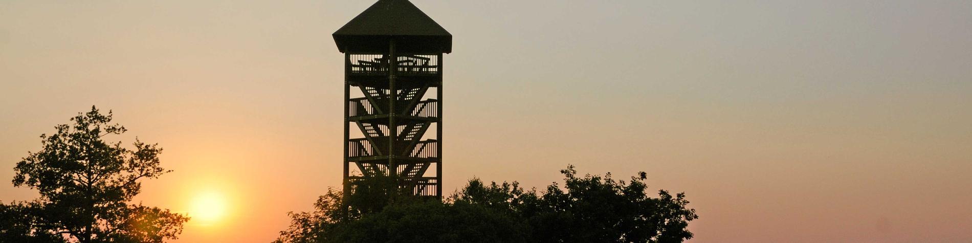 Domaine de Bérinzenne - Coucher de soleil sur la tour
