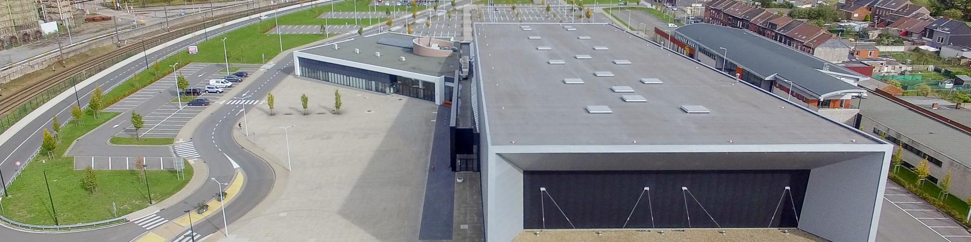 Location de salles écologique moder avec grand espace modulable et salles de réunion avec lumière du jour chez Louvexpo à La Louvière en Wallonie