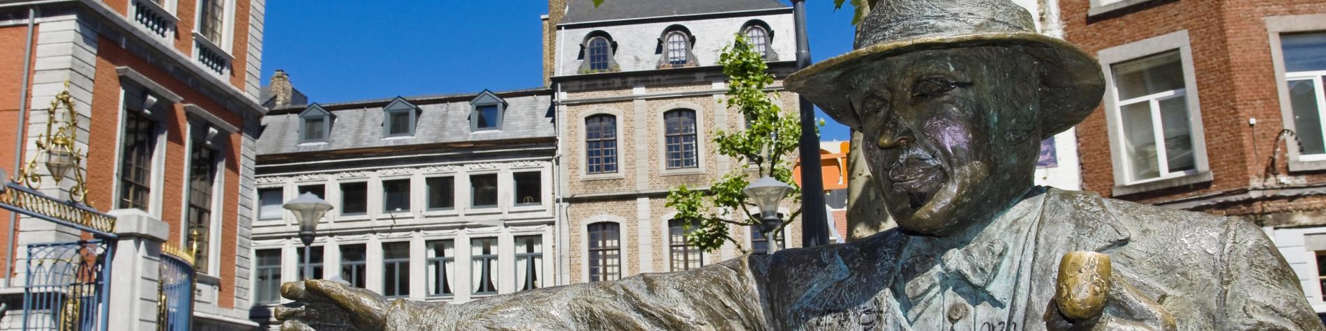 Liège - Statue - Georges Simenon - place - commissaire Maigret