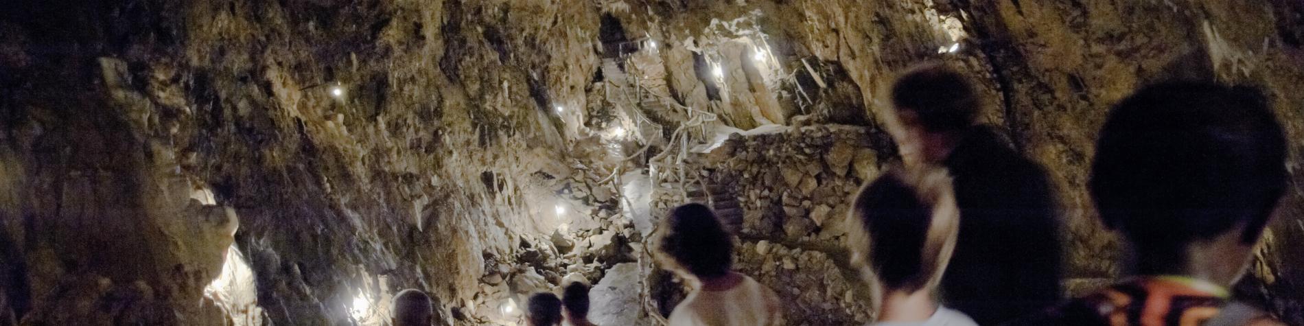 Explorez la grotte La Merveilleuse à Dinant