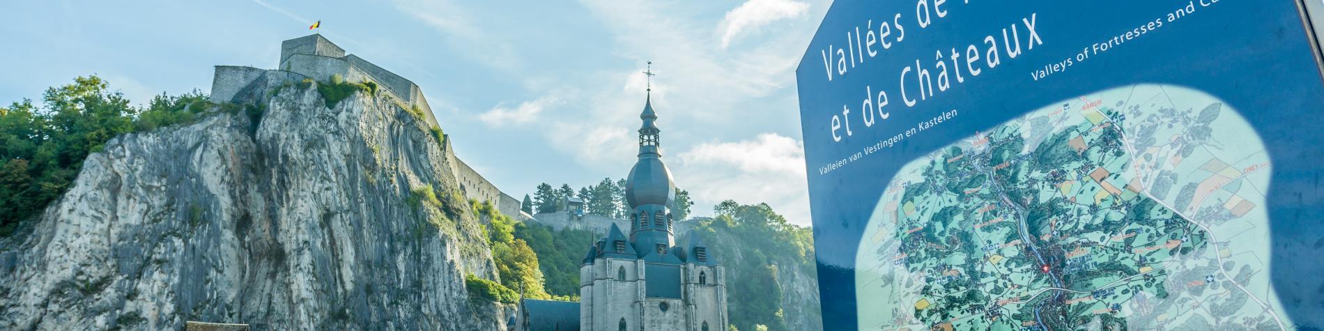 Dinant - carte - chemin - forteresse - châteaux