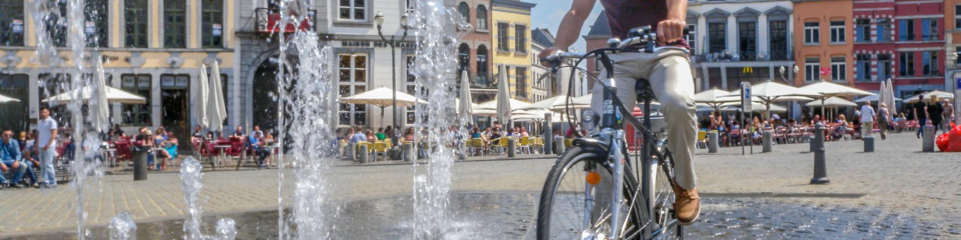 Fontaine - Ville - Activités - sport et détente - Vélo - VTT - Randonnée cycliste - Place