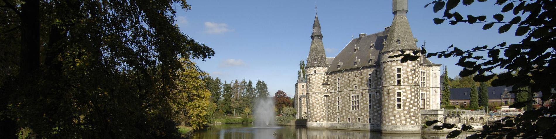 Entdecken Sie Schloss Jehay, ein schönes Beispiel der maasländlichen Renaissance